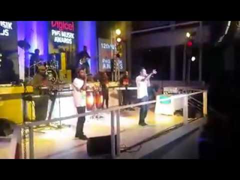 Wah'koo boys on stage (PNG MUSIK AWARDS)