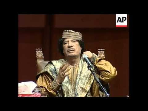 Gadhafi continues visit, meets invited women