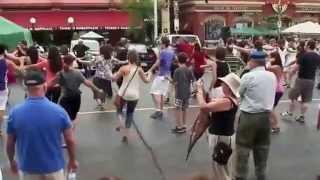 Dance Zorba le Grec au Canada