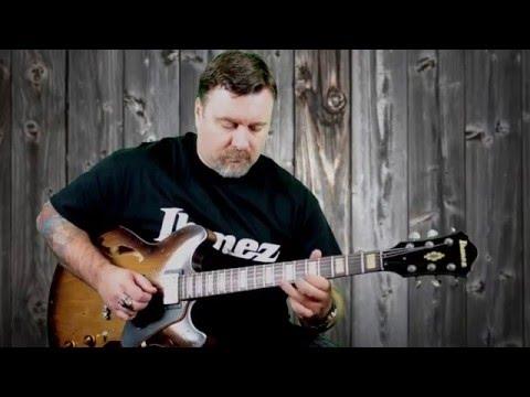 Démo de la guitare Ibanez Artcore Vintage ASV10A