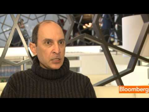 Qatar Airways CEO Says 787 Defects `Unacceptable'