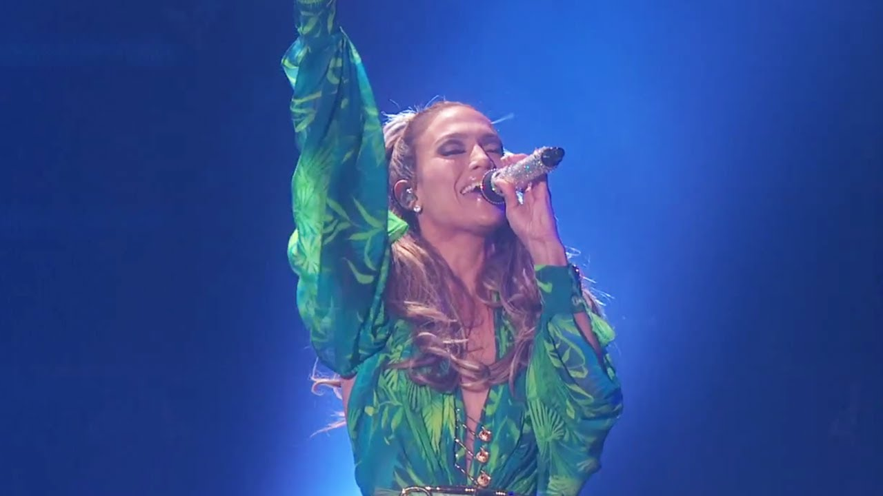"""Jennifer Lopez performs """"First Love"""" in the Bronx #JLoFirstLove"""
