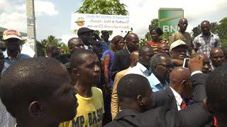 Côte d'Ivoire, une manifestion de l'opposition empêchée par la police.