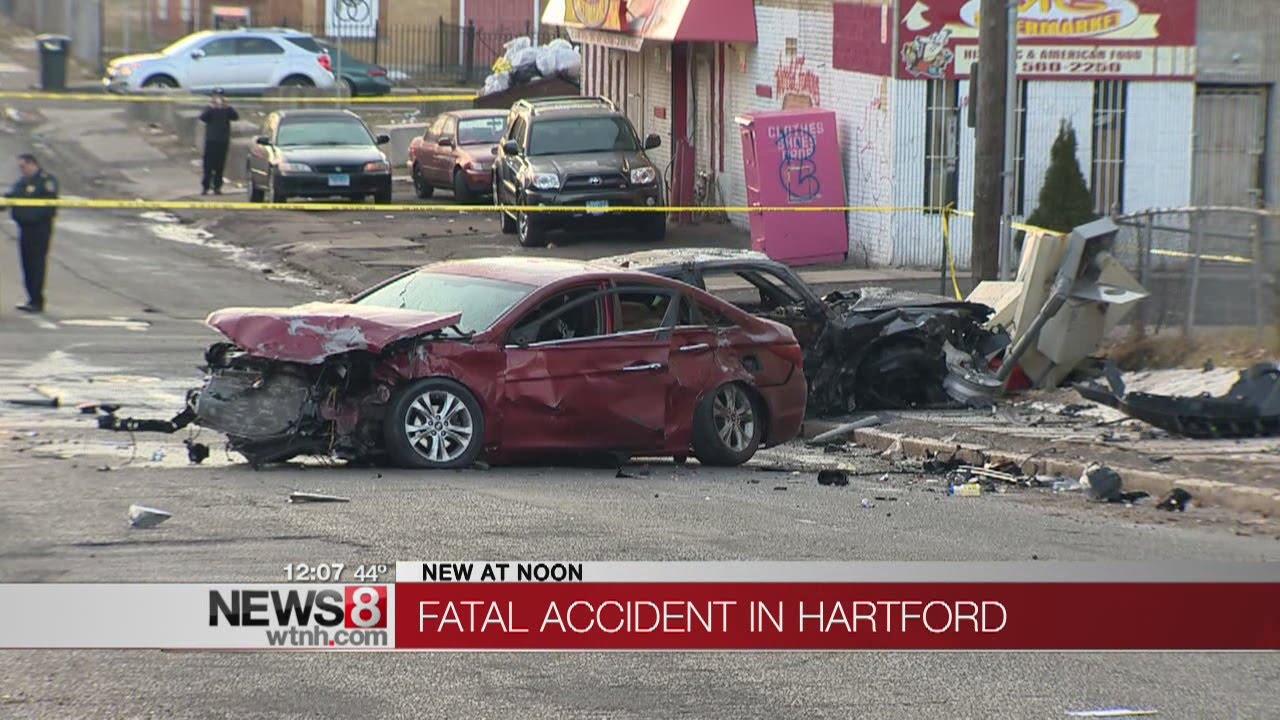Fatal car crash closes Garden Street in Hartford