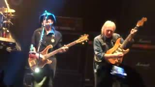 Motorhead - Ace Of Spades   FEATURING FAST EDDIE CLARKE AND PHILTHY ANIMAL TAYLOR
