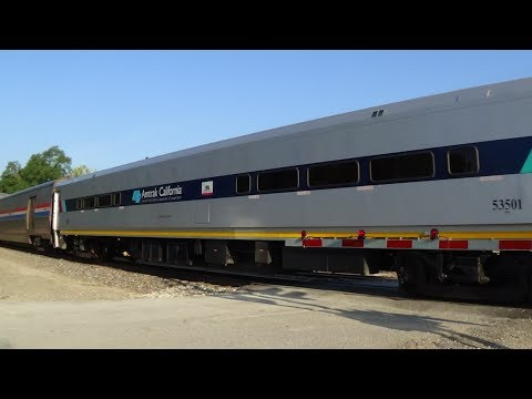 Thumbnail: Horizon Car and Two Wrap Ads on Amtrak #5