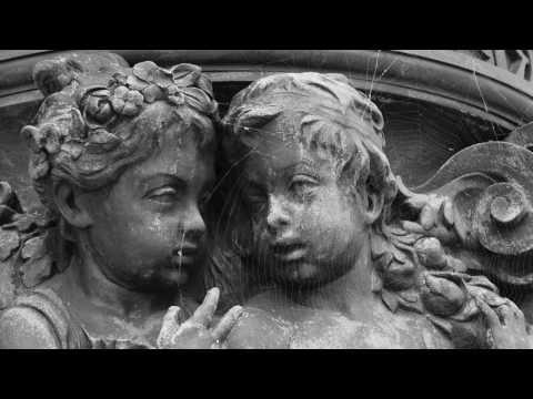 Pase el agoa, ma Julieta (Cancionero de Palacio)  2 different versions