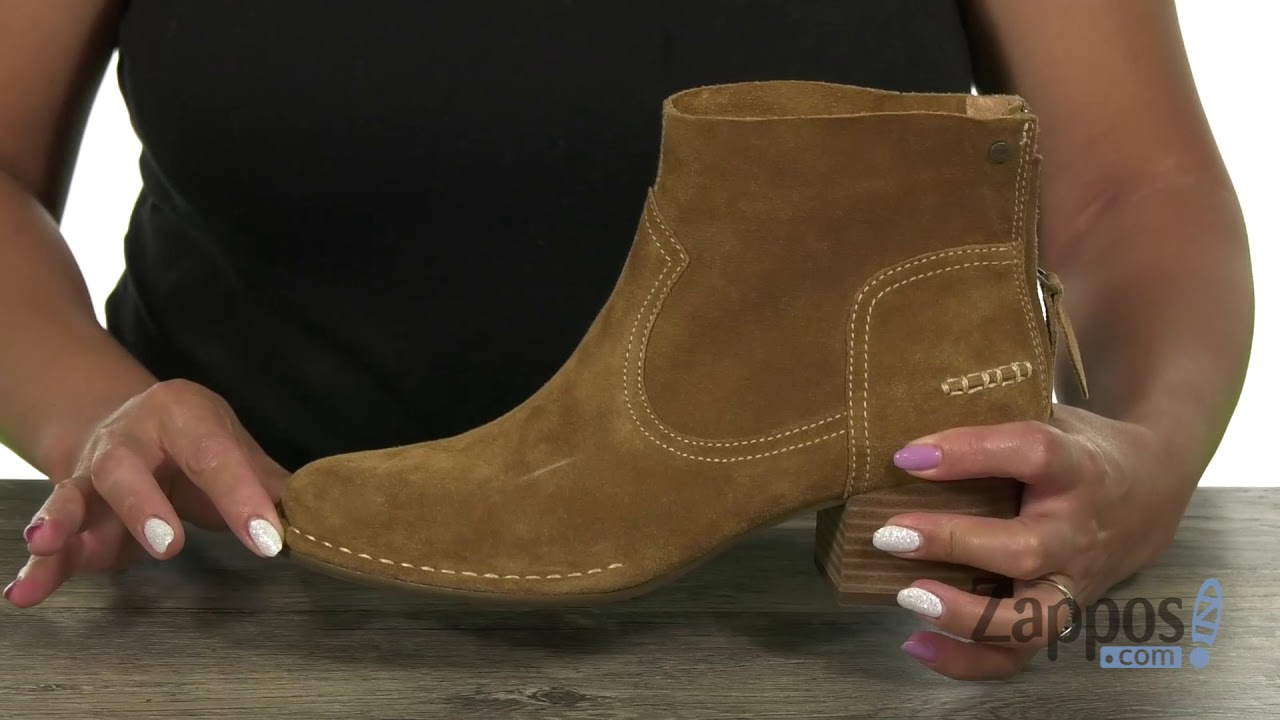 77d2d954cc9 UGG Bandara Ankle Boot   Zappos.com