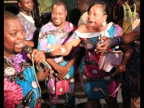 Download Adegbodu Twin  Declare Their Love For Kemi Afolabi As She Show Off Her Dance & Bundles Lots Of Money