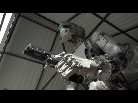 This Russian robot shoots guns