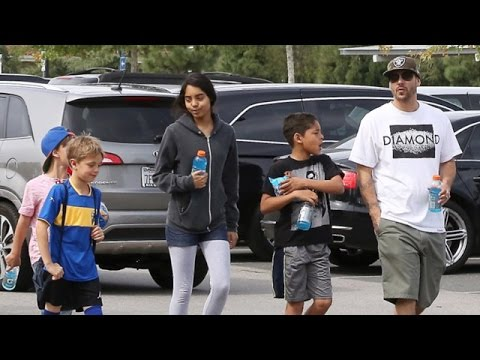 X17 EXCLUSIVE - Kevin Federline Hangs With 4 Of His 6 Kids