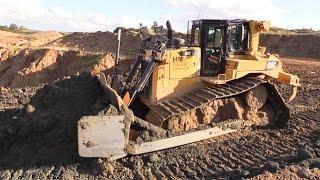 cat d6t lgp dozer pushing volvo a40f dumper loads