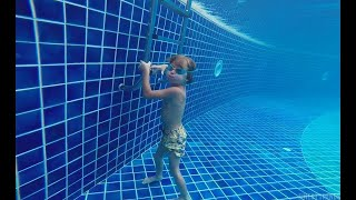kid stays underwater for 9 minutes..