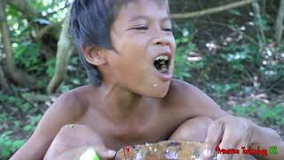 Primitive Technology - Eating delicious - Awesome cooking chicken hart