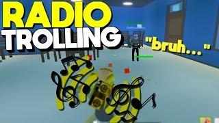 BLASTING THE RADIO In Battle Royale Strucid... (Roblox Fortnite)