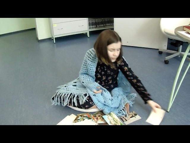 Изображение предпросмотра прочтения – ПолинаПермякова читает произведение «Она сидела наполу…» Ф.И.Тютчева