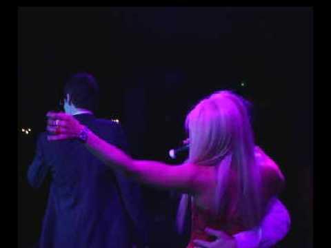 Dr. Hollywood & Ya Boy - Smashing Bottles (live performance @ The Highlands)