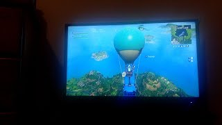 Fortnite Battle royale with friends / trying to get 10 subs
