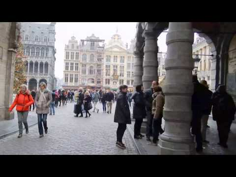 Walking into Brussels' Grand Place