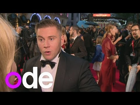 Red carpet blooper! Downton Abbey's Allen Leech pops a button mid