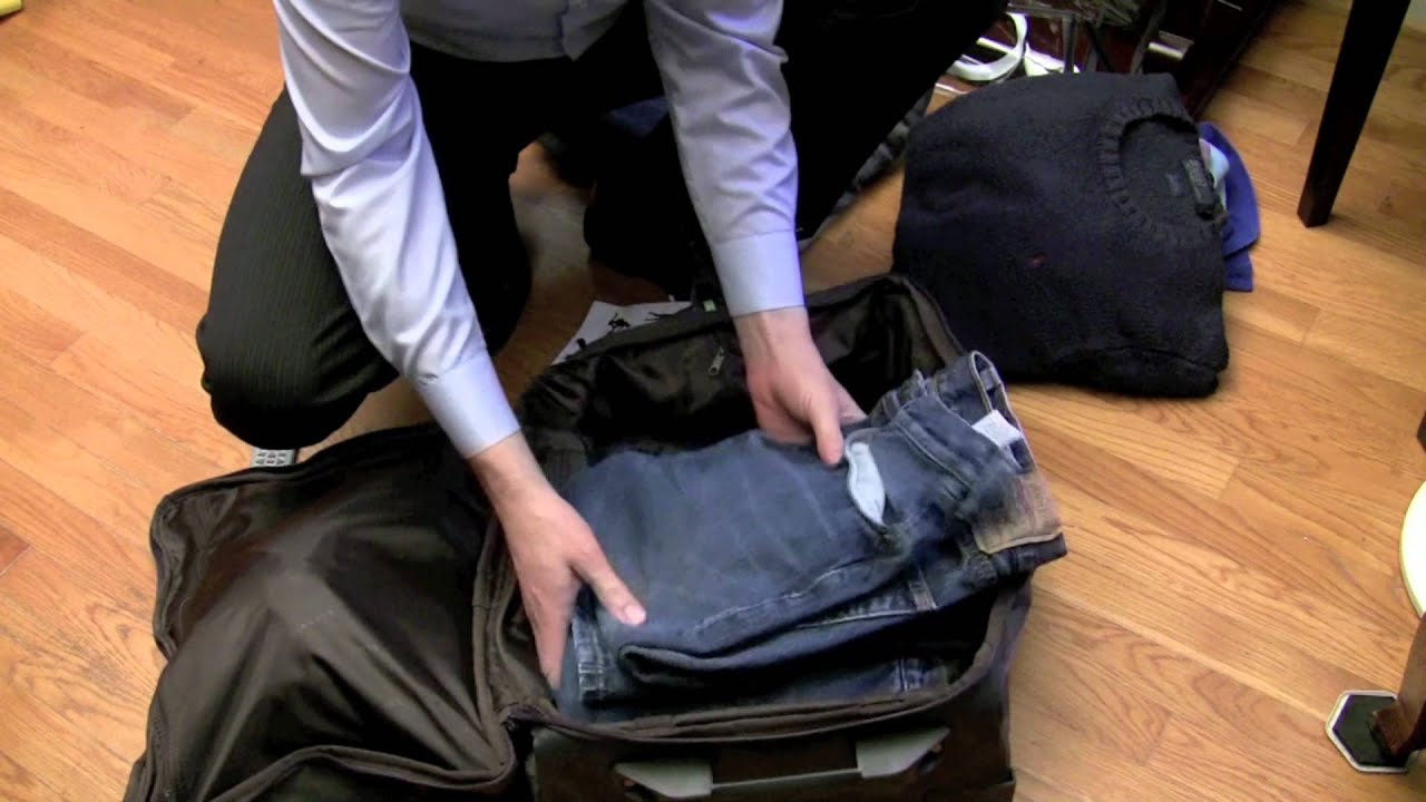 Lipault 0% Luggage Review - YouTube