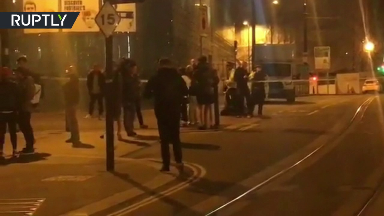 RAW: Police shutdown Manchester city center after 'terrorist incident' during Ariana Grande concert