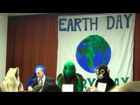NYS Comptroller Thomas DiNapoli Speaks at Earth Da...