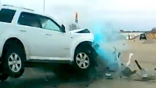 🇺🇸 American Car Crash / Instant Karma Compilation #240