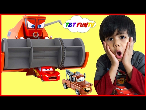 Thumbnail: Disney Pixar Cars Toys Frank Eating Lightning McQueen Tow Mater Color Changers Cars