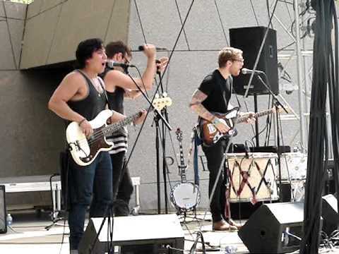 American Authors- Best Day of my Life 2013-07-12 at BUNBURY
