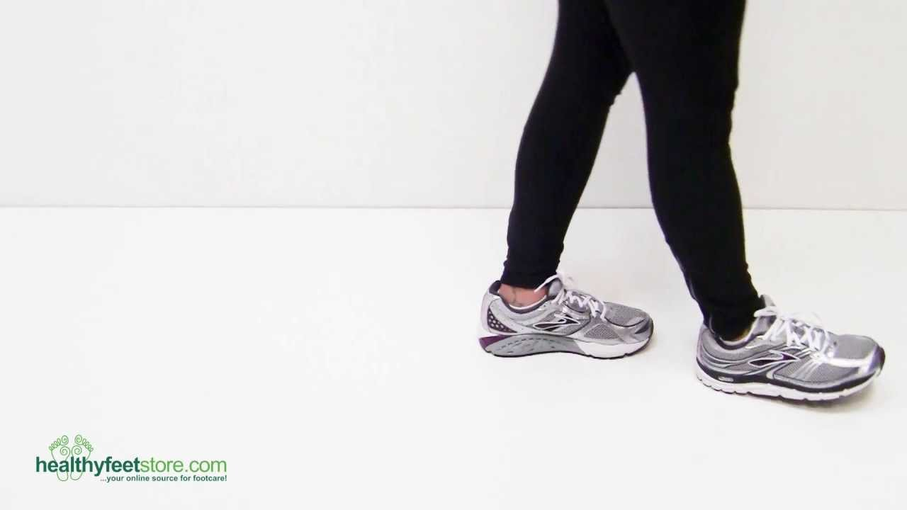 99e24711a11 Brooks Addiction 10 Women s Running   Walking Shoes - YouTube