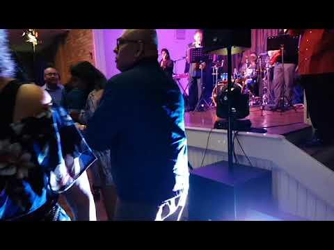 Desmond & the clan- concert & Dance at Quakers Hill, Sydney
