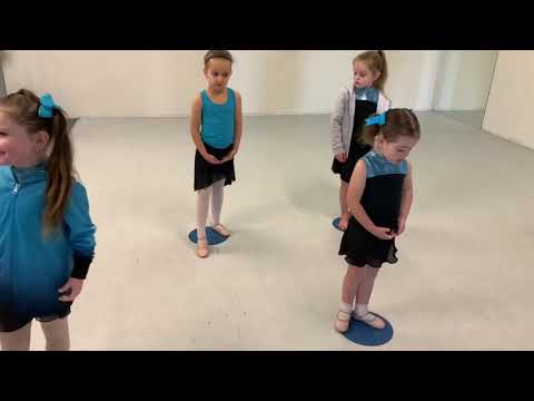 Morton Academy    BTS look at our 3-5 yrs Ballet classes (Term 2 2019)