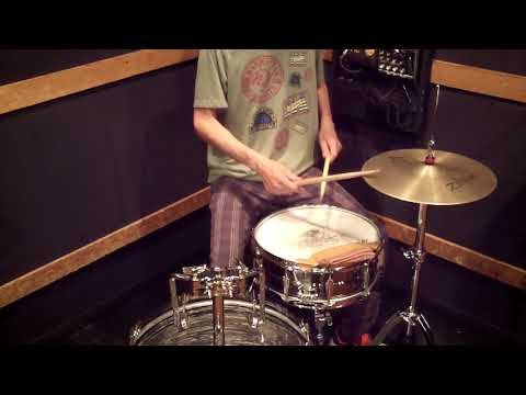 Louis Cole 's Fast Funk Groove ( Vulfpeck - Gets Funkier Ⅳ ) - Drum Lesson #427 mp3