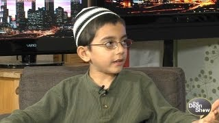 8 Year Old Kid Explaining What is Islam and Who are the Muslims - The Deen Show