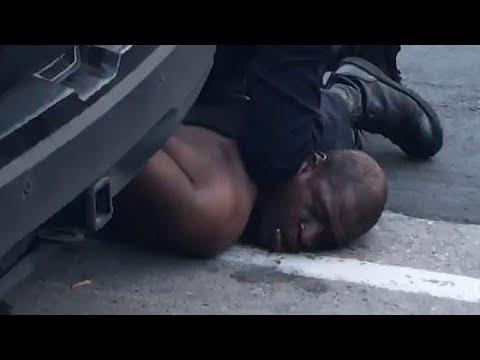 Polisin sert müdahalesine maruz kalan siyahi adam çevredekilerin gözleri önünde hayatını kaybet…