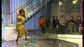 Yianna KATSOULOS - Les autres sont jaloux - show bises