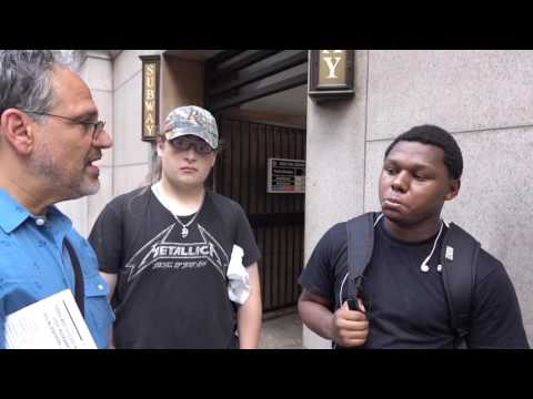 On eve of Democratic National Convention, Jerry White campaigns in Philadelphia
