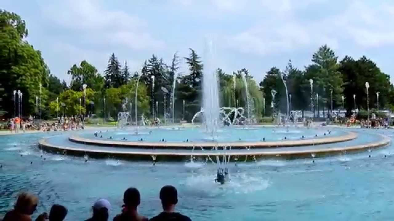 Budapest margaret island musical fountain youtube for Margaret island budapest swimming pool