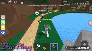 His chasing me TwT (Roblox)