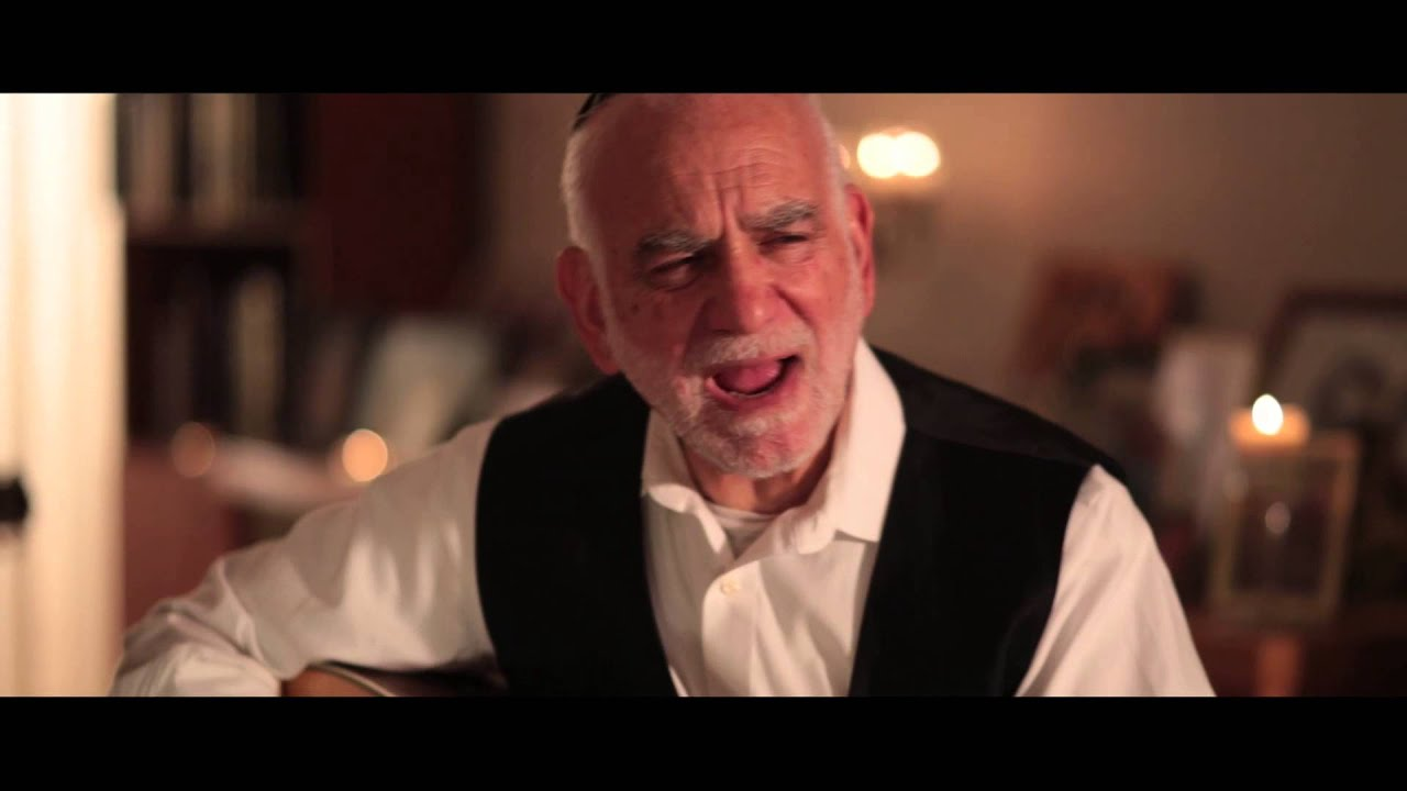 Rabbi Baruch Chait  - Light A Shabbos Candle [Music Video]