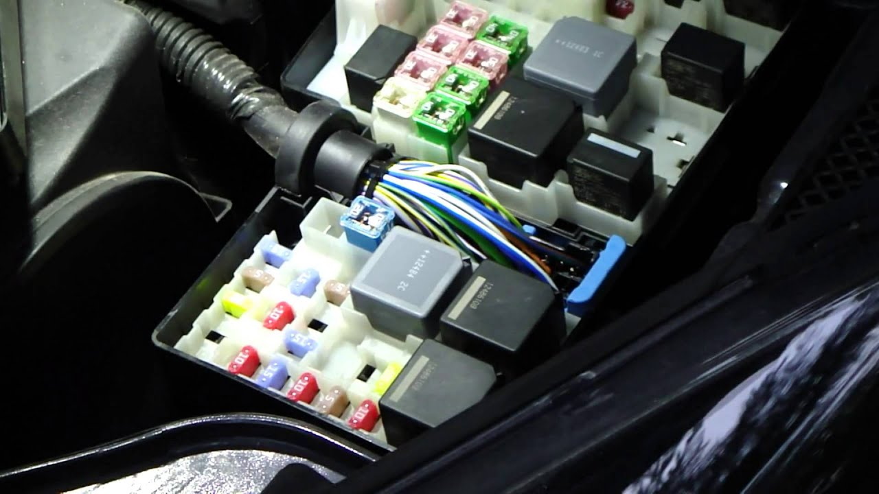 how to change fuses and relays ford focus year models 2011 2014 [ 1280 x 720 Pixel ]