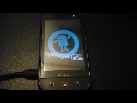 CyanogenMod CM7 on Motorola Cliq!