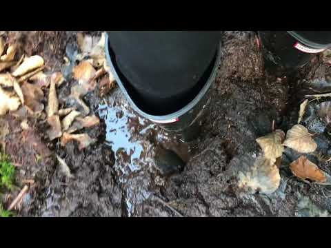 Suction noise with Hunter boots 19