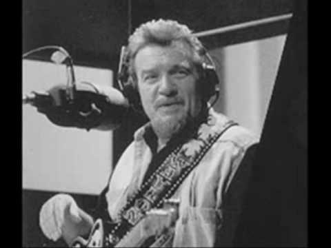 Waylon Jennings......Out Among The Stars