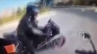 Motoçiklisti filmon vdekjen e vet me kamerën që e kishte në helmetë! (Video, +18)
