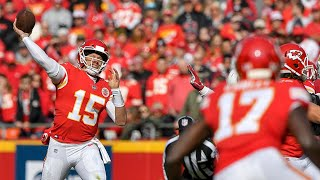 Patrick Mahomes sets touchdown passing record in Chiefs win against Cardinals