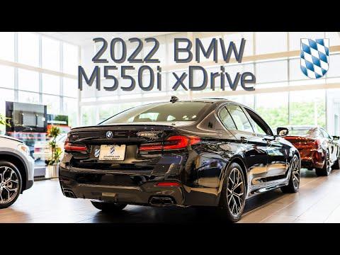 2022 BMW M550i xDrive in Carbon Black 4k