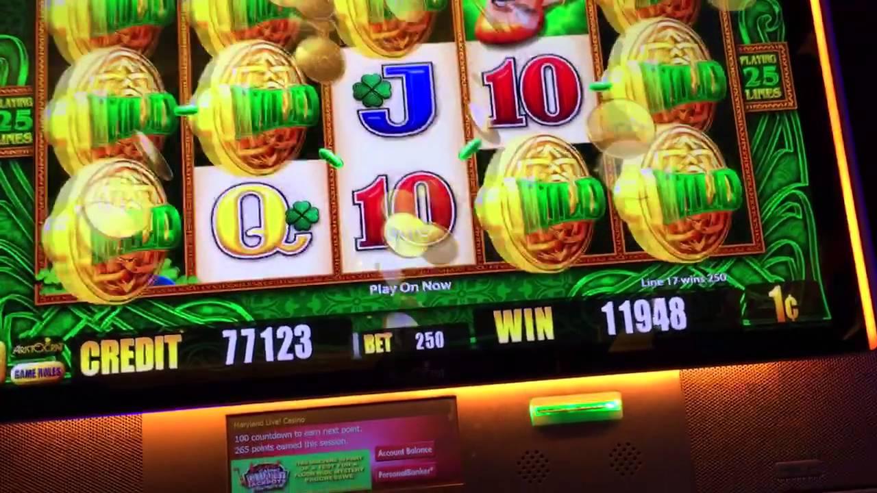 Wild Leprechaun Slot Machine