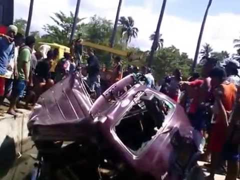 Bus and Van Accident at Kauswagan Lanao del Norte April 1 2015